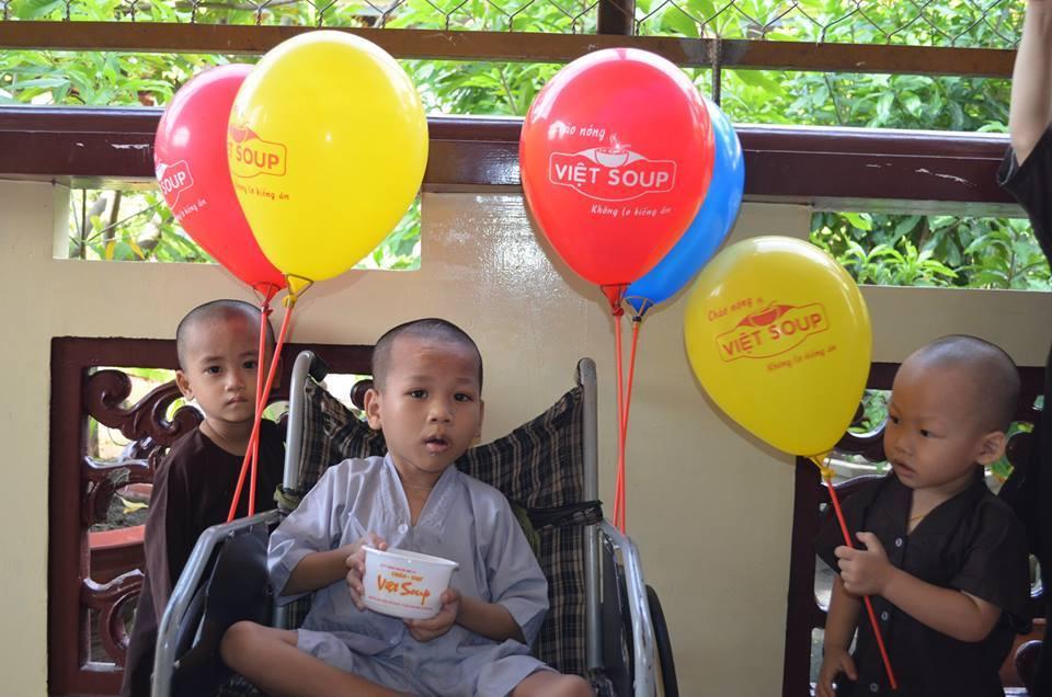 Chuyến thăm các em nhỏ chùa Từ Hạnh